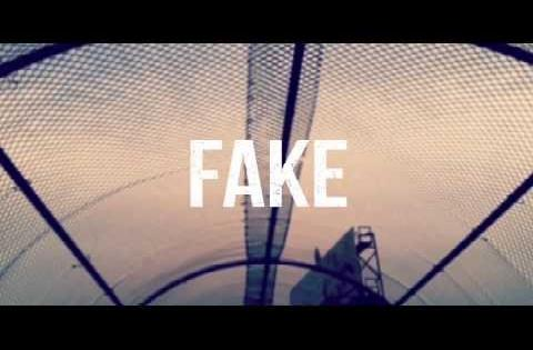 LONDON ROSE - Fake [Official Lyric Video]
