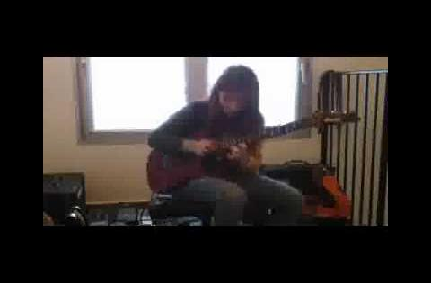 Amazing female guitarist Tina sheds a solo