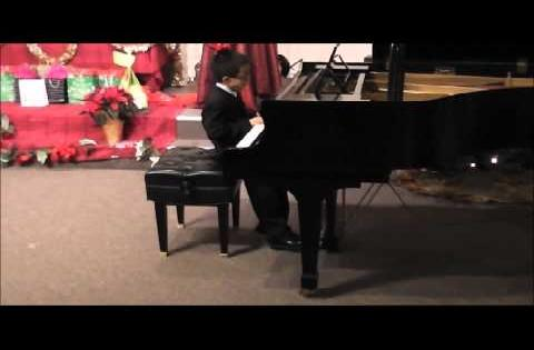 Christmas Piano Recital 2014 - Performed by Ian Bui